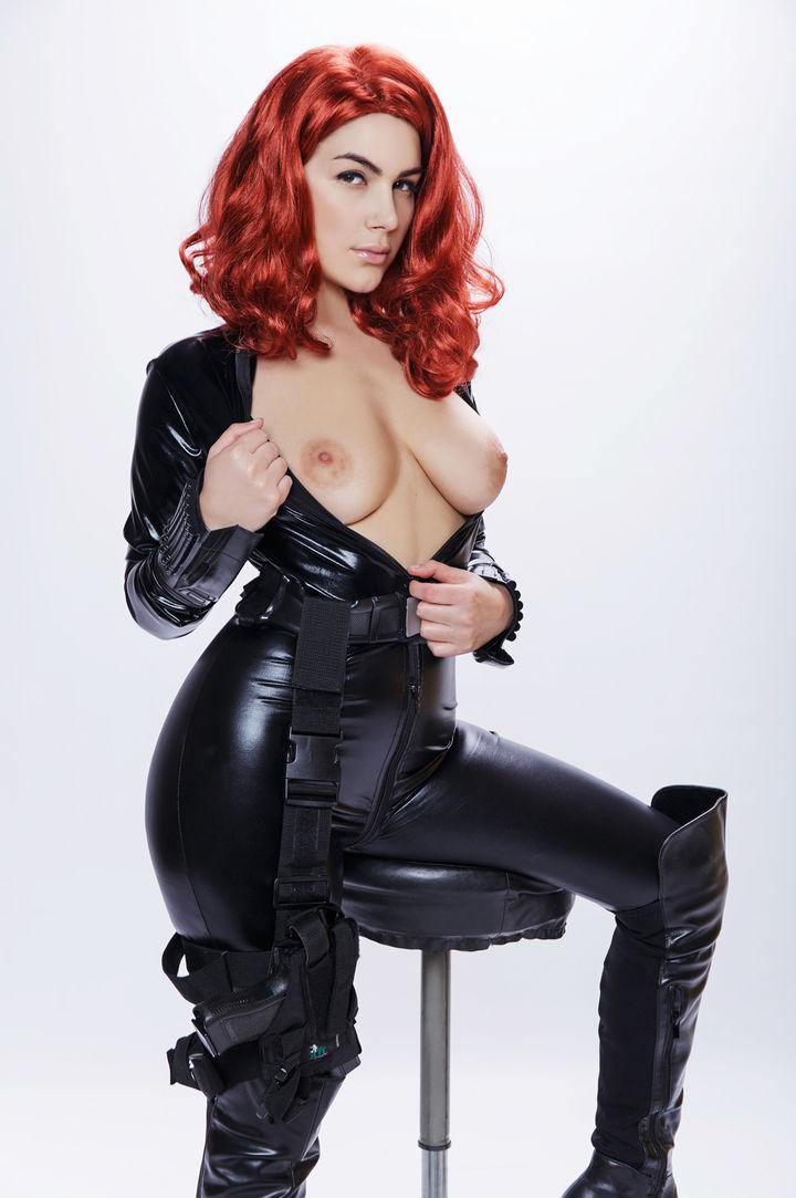 Valentina Nappi's VR Porn Videos