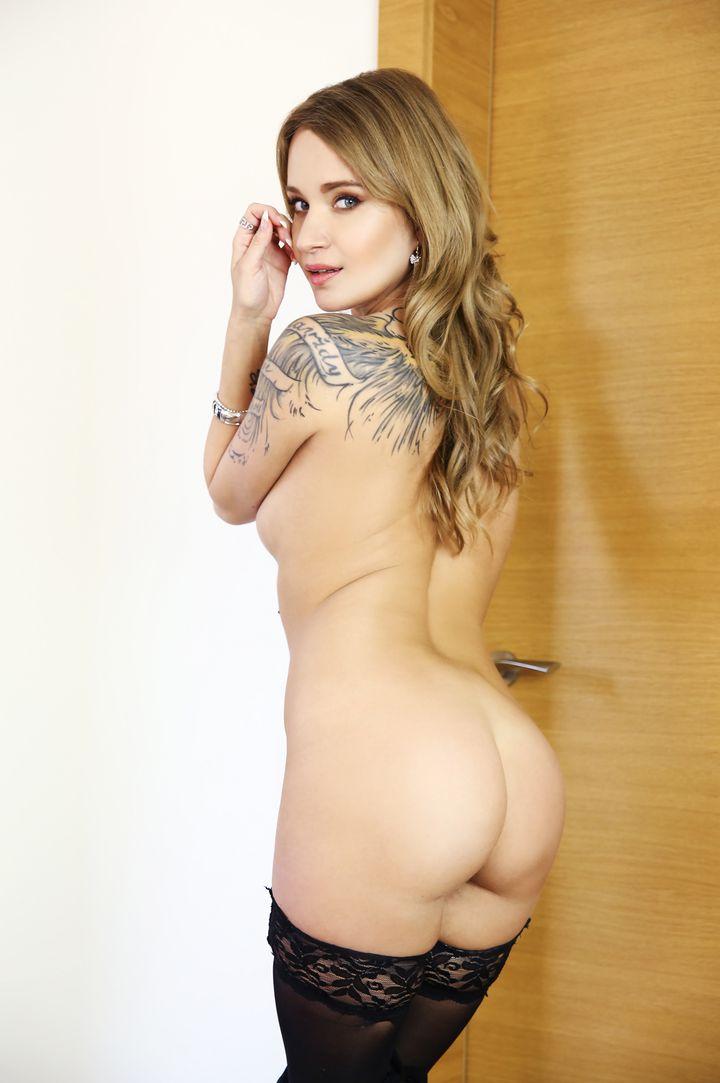 Angel Piaff's VR Porn Videos, Bio & Free Nude Pics