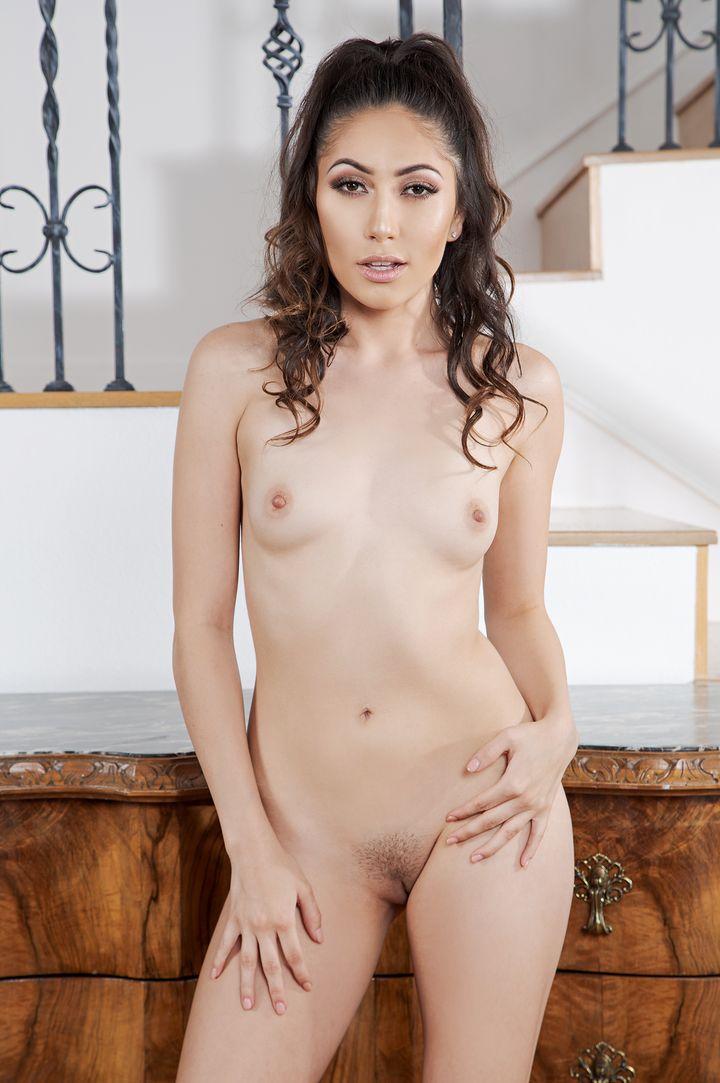 Judy Jolie 's VR Porn Videos
