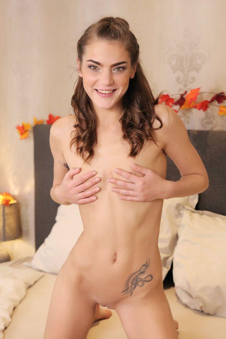 Nana Garnet's VR Porn Videos