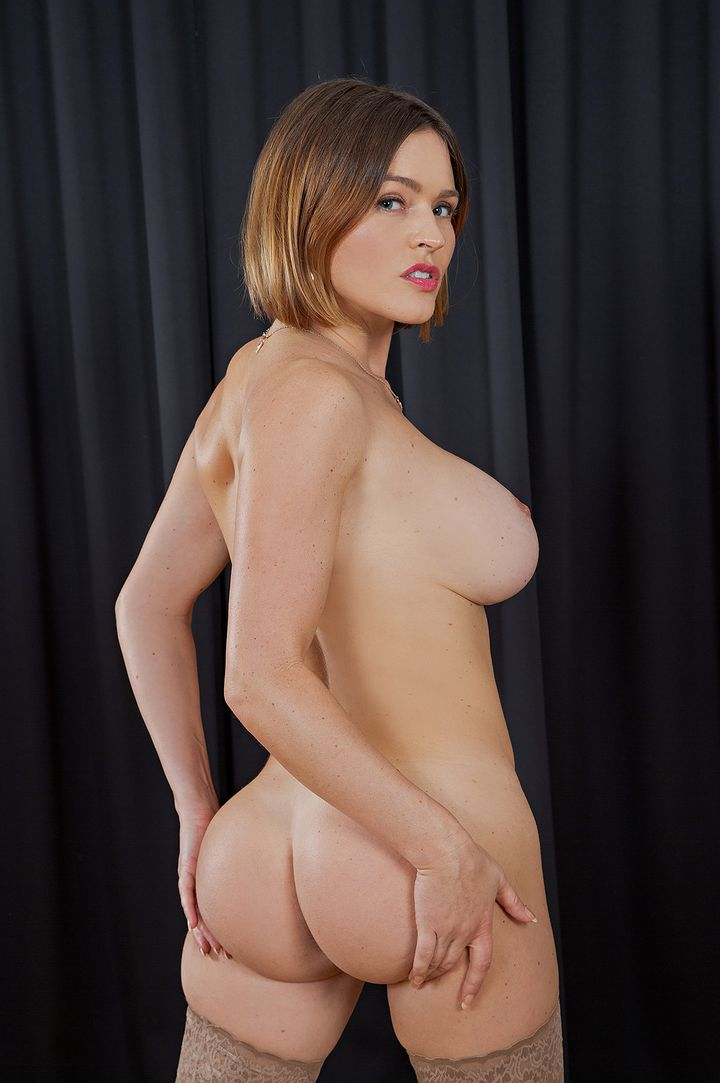 Krissy Lynn's Bio, Free Nude Pics & VR Porn Videos