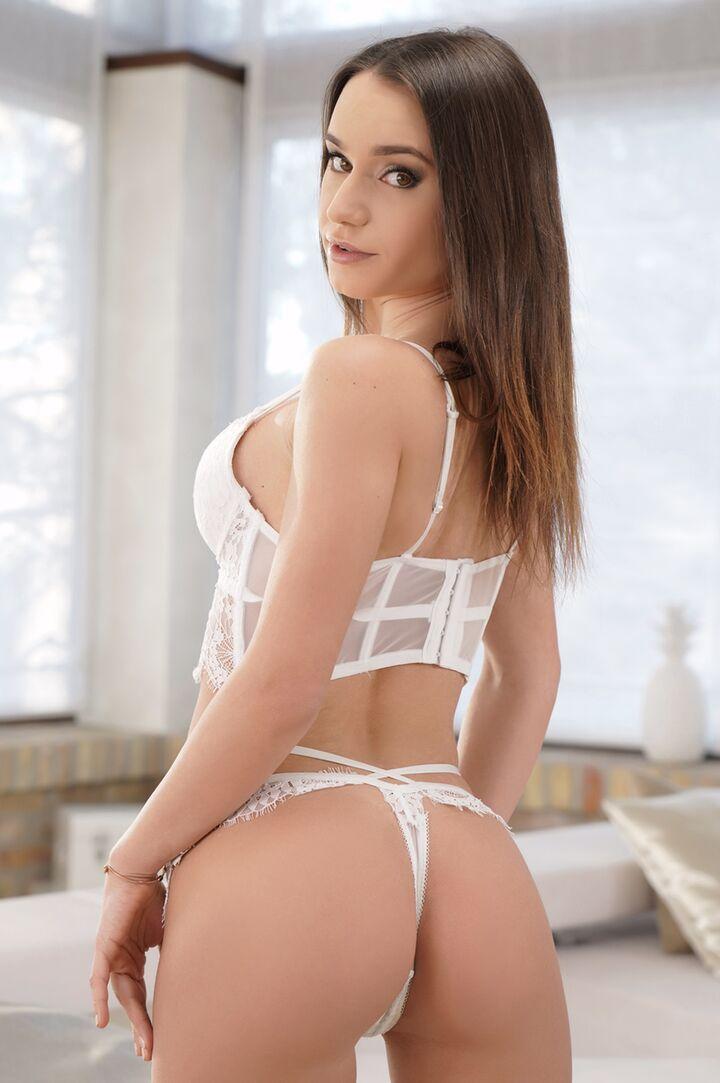 Lana Roy's VR Porn Videos