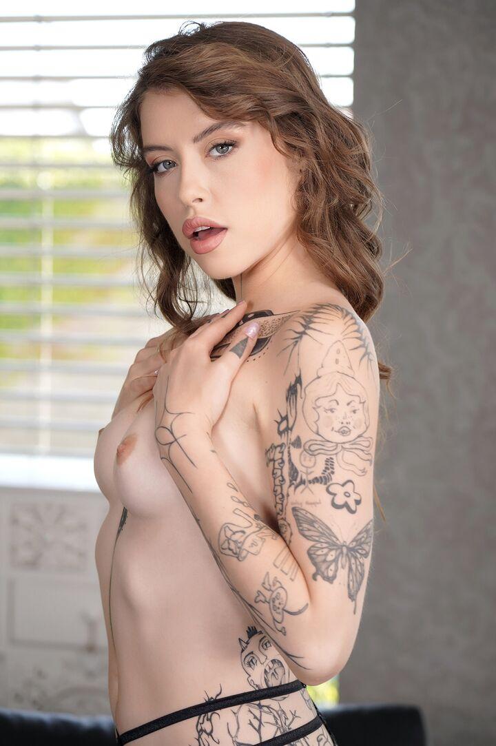 Eden Ivy's VR Porn Videos