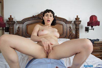 Offering An Olive Branch VR Porn Video