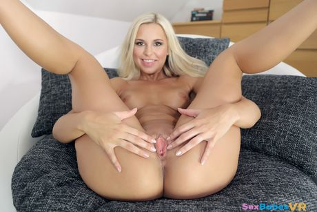 Naughty Assistant Lola Loves Cock VR Porn Video