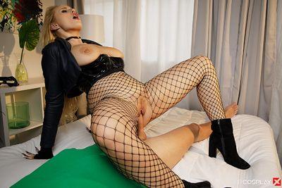 Black Canary A XXX Parody VR Porn Video