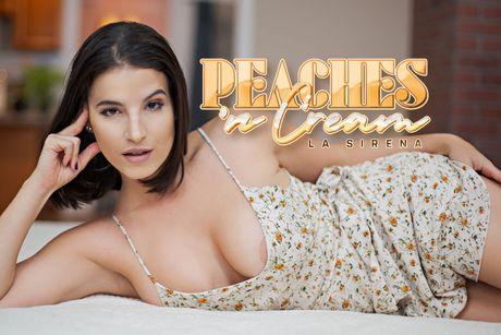 Peaches 'n Cream VR Porn Video
