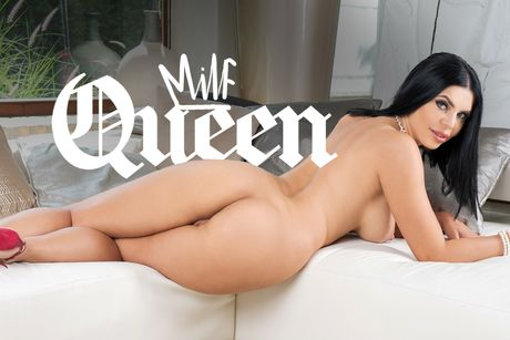 The MILF Queen VR Porn Video