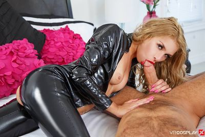 Catwoman XXX VR Porn Video
